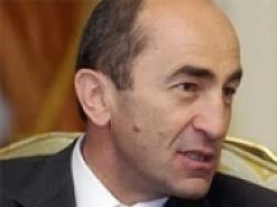 В Ереване совершено нападении на дом Роберта Кочаряна
