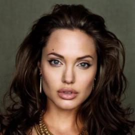 Анджелина Джоли намекнула, что готова попробовать себя в политике