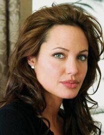 Анджелину Джоли не узнать в новом совместном фильме с Питтом