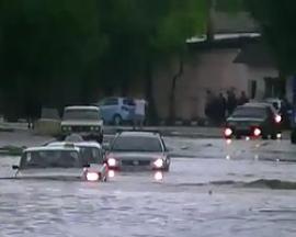 Ливень в  Тбилиси затопил подземные переходы и первые этажи