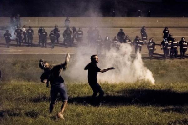 Беспорядки в США после убийства чернокожего: ранены 12 полицейских