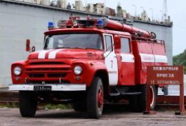 В Новосибирске горит жилой дом