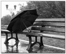 Придуман зонт, который сушится сам