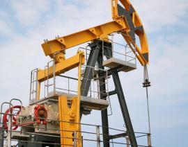 Нефть на мировом рынке продолжает дешеветь
