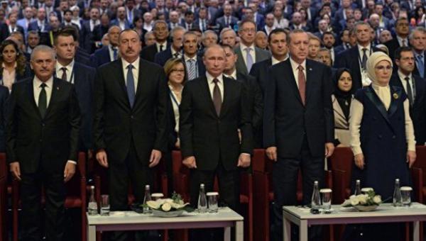 Алиев, Путин и Эрдоган на переговорах в Стамбуле