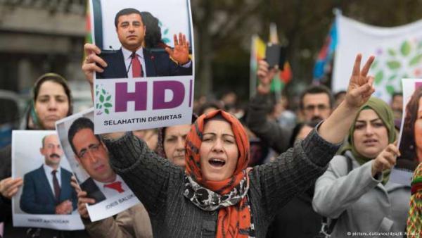 Турецкий МИД обвинил Германию в поддержке курдских боевиков