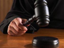 90-летний муж подал в суд на родителей своей 15-летней жены