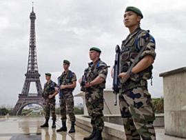 Во Франции продлили чрезвычайное положение