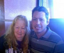Сын и мать встретились после 35-летней разлуки -ФОТО