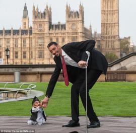 Самый высокий в мире человек встретился с самым маленьким